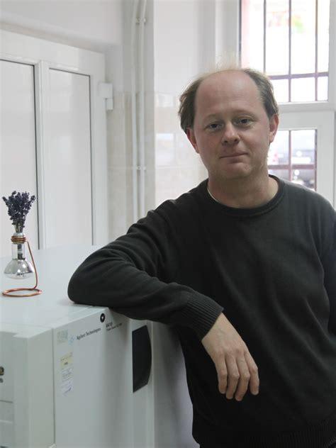 dr robert elsie curriculum vitae centrul de cercetare biocataliză și biotransformări