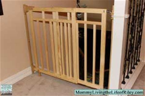 dual banister baby gate review summer infant stylish secure deluxe wood top of