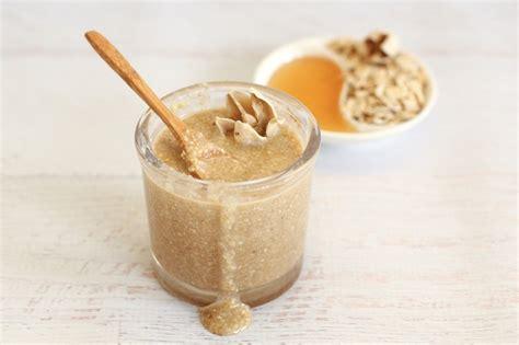 fai da te scrub fai da te per il corpo al miele e allo zucchero di