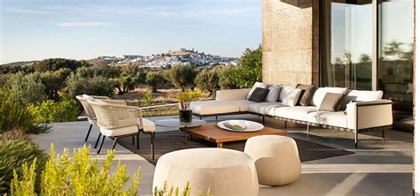 Contour: Outdoor Décor Collection Fuses Effortless Form
