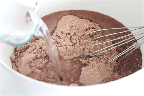 Chocolate Cake Mix home made is easy chocolate cake from food storage