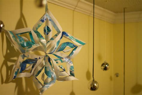 Ellinee The Paper Snowflake - sprinkled with glitter 3d paper snowflakes gift