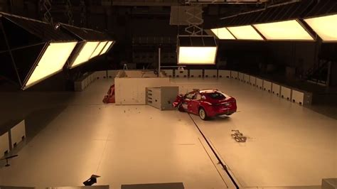 Tesla Model S Crash Test Iihs Tests Tesla Model S Crash Footage Suggests It S