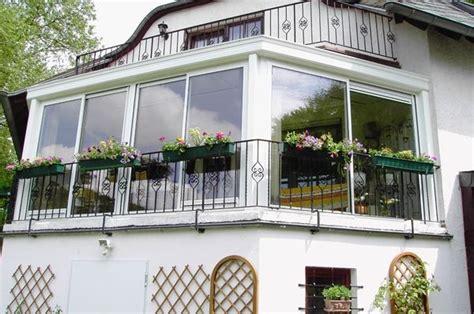 verandare balcone v 233 randa balcon photo 4 5 une v 233 randa fleurie sur un