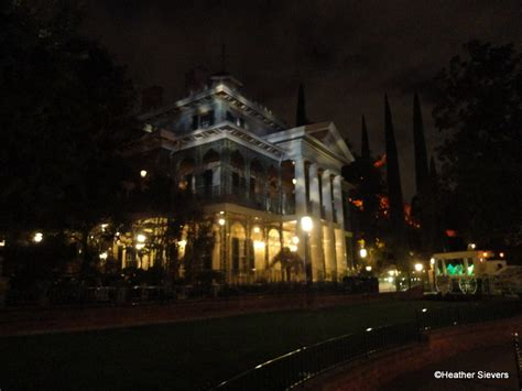 haunted mansions dining in disneyland marc davis centennial dinner inside