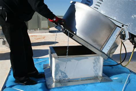 Cleaning A Kitchen Exhaust Fan How To Safely Open And A Restaurant Exhaust Fan