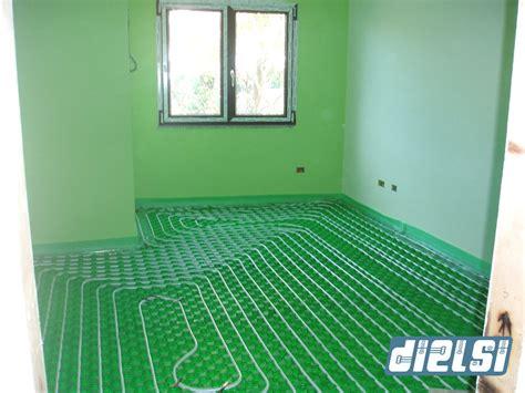 risparmio riscaldamento a pavimento riscaldamento a pavimento comfort e risparmio energetico