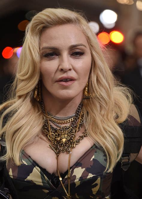 metgala_25 - MadonnaTribe France News 24 Live