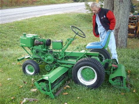 identify this old lawn tractor