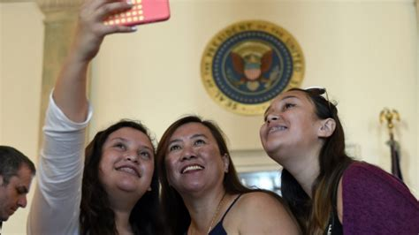 touring the white house michelle obama instagram video white house lifts ban on taking photos during public tours