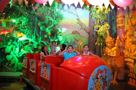ramoji film city one day tour package amusement park in hyderabad one day hyderabad tourism