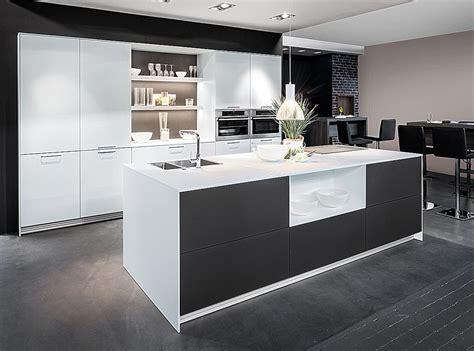 moderne küchen mit insel moderne k 252 chen mit insel an der wand ambiznes