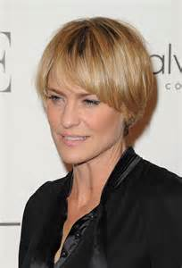 pictures of wrights hair more pics of robin wright layered razor cut 5 of 13