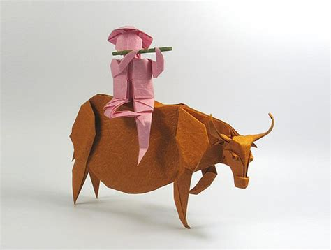 Realistic Origami - nguy盻 h 249 ng c豌盻拵g creates strikingly realistic origami
