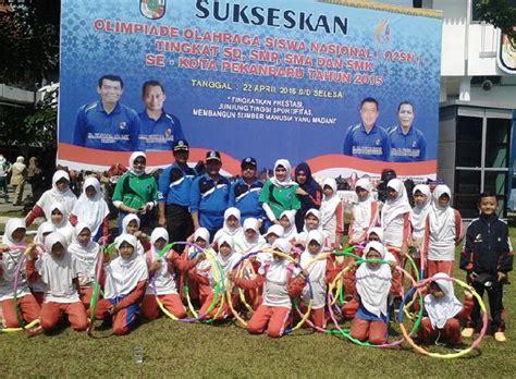 Baju Karate Inkanas murid sd babussalam senam hulahop di pembukaan o2sn kota pekanbaru