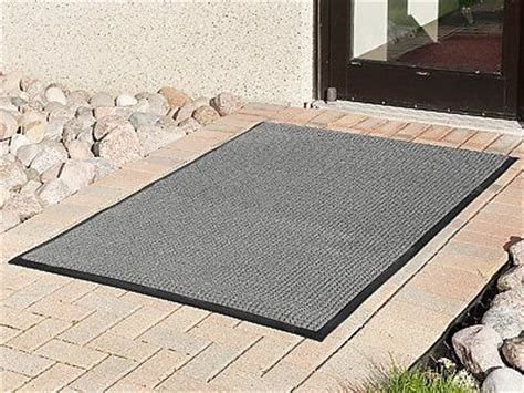 Rugs That Soak Up Water by 1000 Images About Garden Doormats On Vinyls