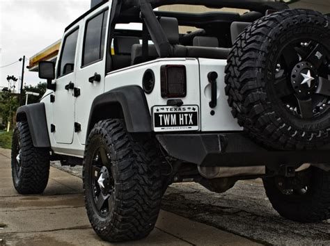 white jeep with black rims 25 best ideas about white jeep wrangler on