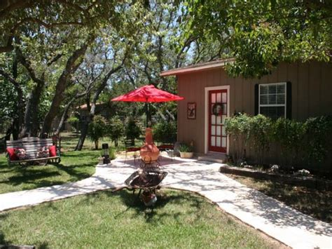 romantic stay in fredericksburg tx romantic lodging romantic hill country cottage fredericksburg texas