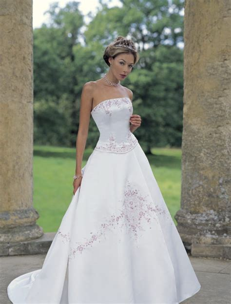 modern era bridal dresses and gowns design
