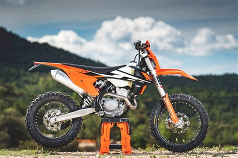 Ktm Exc Review 2017 Ktm Exc F And Exc Range Motoonline Au