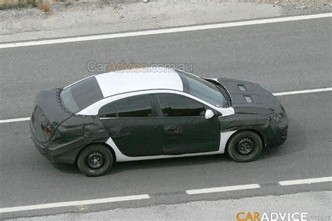 renault megane 2009 sedan 2009 renault megane sedan spied photos 1 of 8