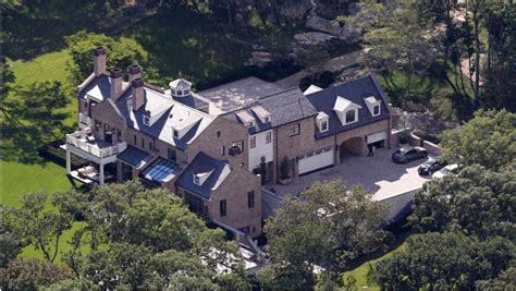tom brady s new house inside the multimillion dollar homes of tom brady