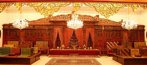 Galeri Batik Danar Hadi museum batik danar hadi surakarta java heritage tour