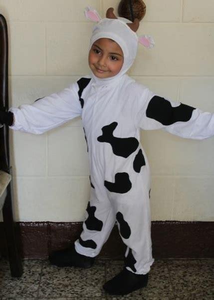 Disfraz De Vaca Reciclable | como hacer un disfras de vaca con material reciclable d