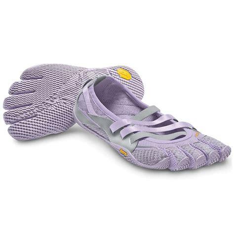 vibram womens shoes vibram five fingers s alitza shoe at moosejaw