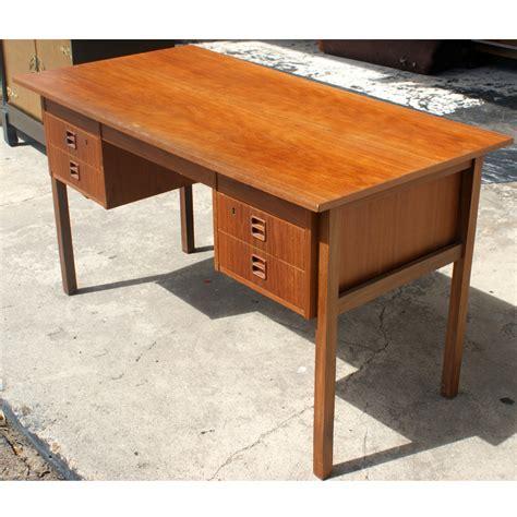 Limble Ii Computer Desk Picture 4 Of 39 Desk 28 Images Black Computer Desk Cupboard Shelves Drawers Furniture