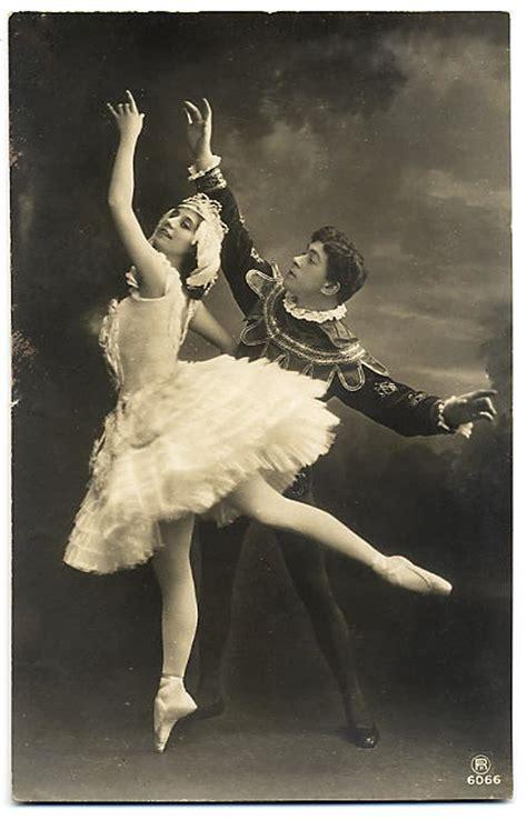 imagenes vintage ballet the vintage moth free vintage photo ballet dancers