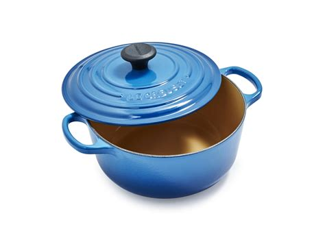 sur la table le creuset sur la table is a labor day sale on le creuset and