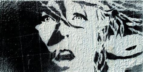 stencil graffiti art grafiti art design