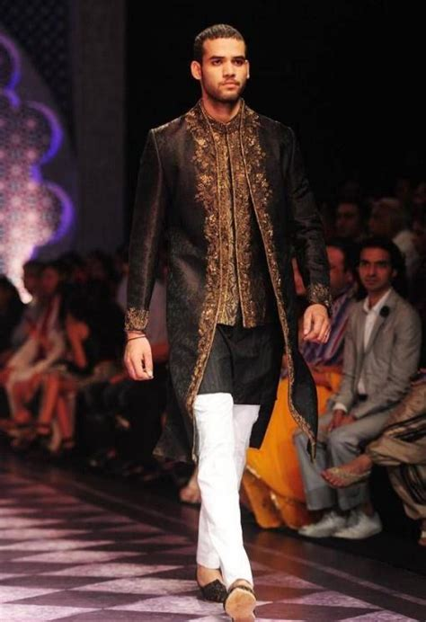 Azure Wedding Concept Review by India Bridal Fashion Week 2013 Raghavendra Rathore