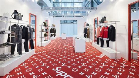 supreme clothing store louis vuitton x supreme cierra sus pop up stores