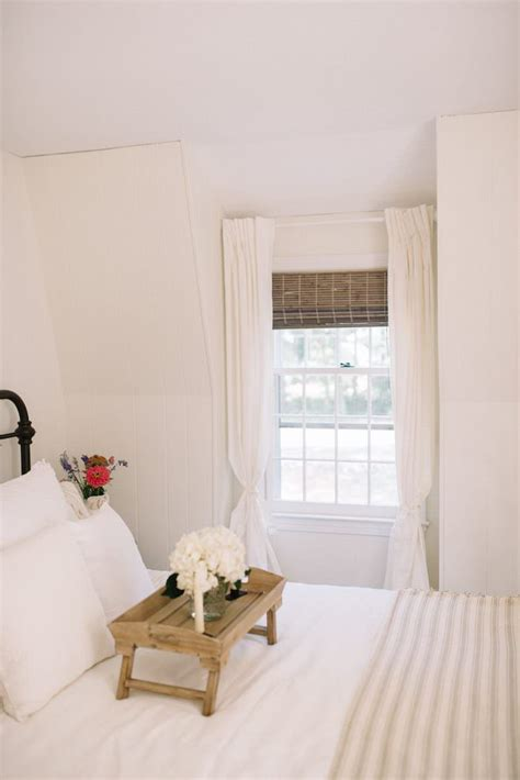 farmhouse guest bedroom makeover lynzy