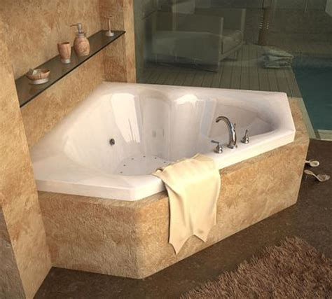 what is a jetted bathtub homethangs com introduces a tip sheet on whirlpool tubs