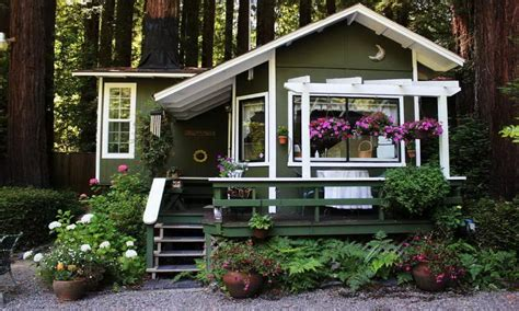 country cottage style wallpaper cottage outdoor decorating ideas interior designs flauminccom