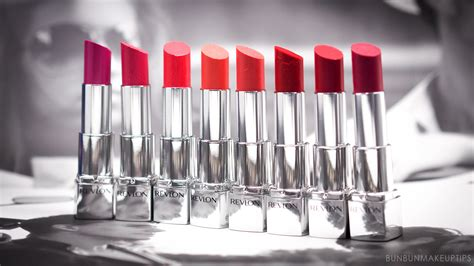 Lipstik Revlon Hd channelling different looks with different lip colors