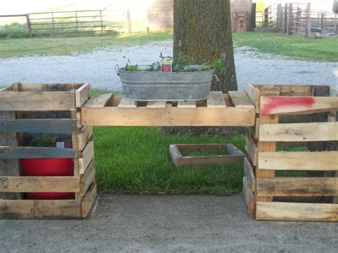 planter out of pallets