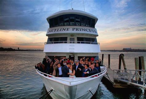 luxury boat cruise nyc yacht wedding charters nyc wedding cruises skyline cruises