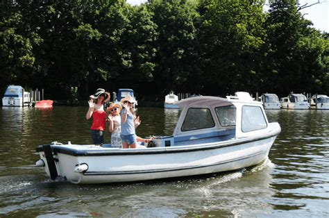 river thames motor boat hire pilot class thames motor boat hire seating 4 12 book online