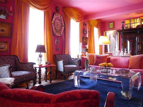 Hiasan Rambutkepala Indiamathapatti Gold 03 pink walls pink ceiling pink you much interiorator