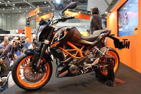 Ktm Dirt Bikes Price In India Ktm Duke 390 250 And 200 Launched In India Specification