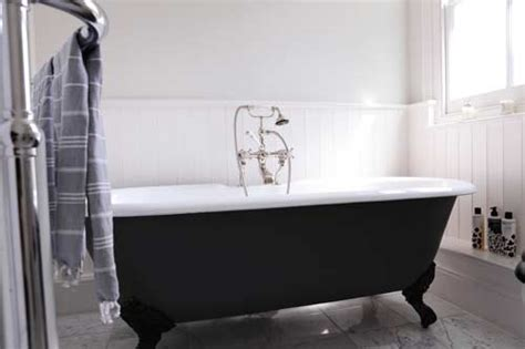 adamo bathrooms 23 traditional black and white bathrooms to inspire digsdigs