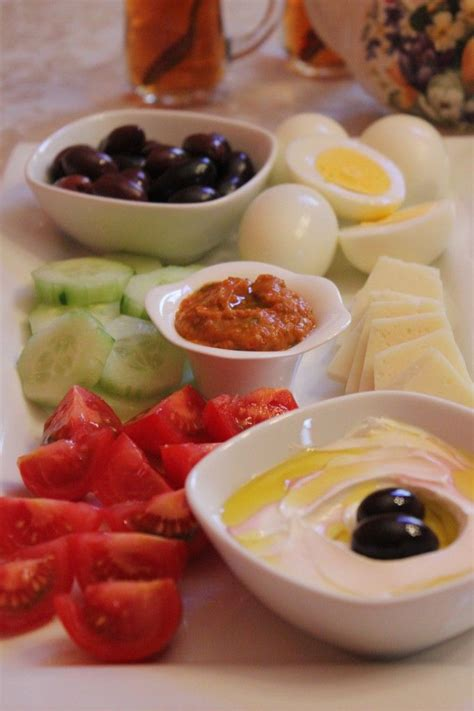 mediterranean breakfast on http momwhats4dinner com