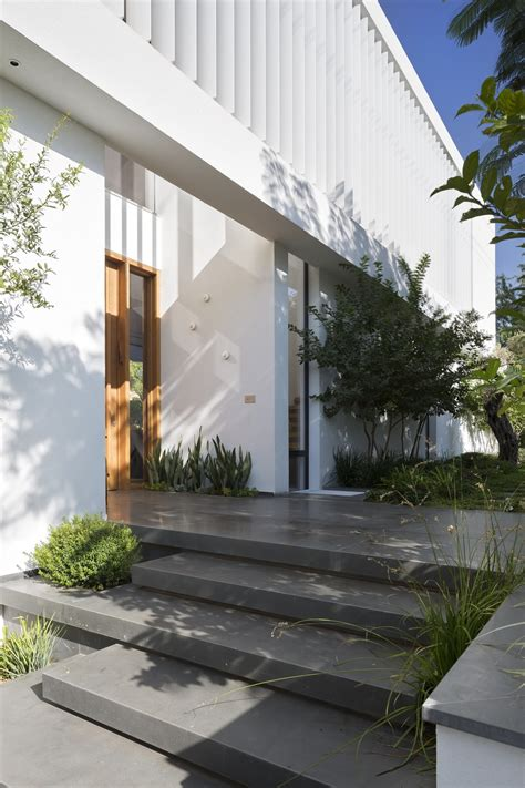 front walkway ideas  path designs architecture beast