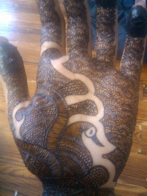 henna tattoo on dark skin services