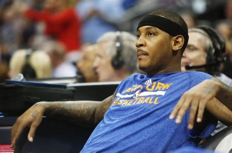 carmelo anthony bench press carmelo anthony to inform knicks he is re signing on saturday