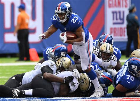 new york giants player hurt images